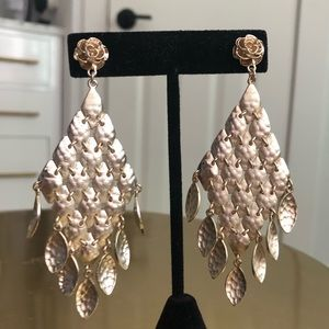 Brushed Gold Kendra Scott Nera Chandelier Earrings